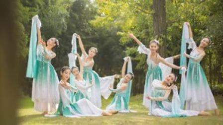 点击观看《古典舞《杨柳青青》,道是无晴却有晴》