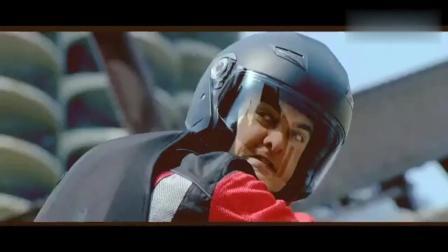 印度阿三又开挂, 在警察的围堵下摩托车变快艇