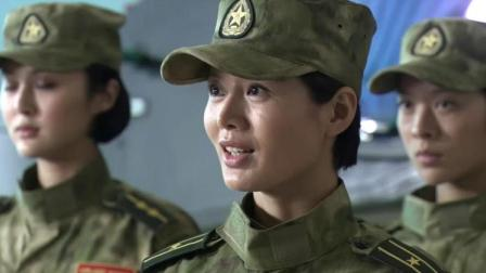 女特种兵抢劫满载武器的武直十,旅长懵了,下一秒被女特种兵KO