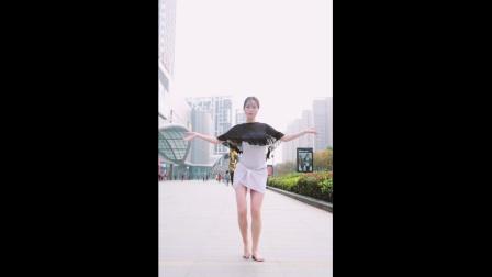 点击观看《舞林一分钟 讲真的 你想要的东方舞舞蹈视频》