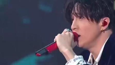 薛之谦演唱的最动情的《丑八怪》, 唱的歇斯底里, 听醉了!