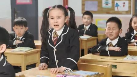 教室在直播抢险救灾,女孩对着荧幕喊了三声爸爸,眼泪就掉了下来