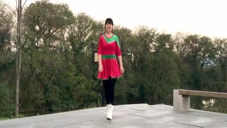 点击观看《最简单的鬼步舞示范《爱就要暴灯》这首音乐嗨爆啦!》