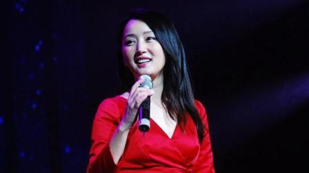 杨钰莹又来了, 性感打扮太迷人, 一首老歌嗓音实在太惊艳了!