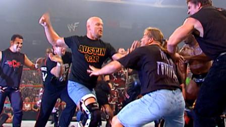 WWE第一人冷石奥斯丁最帅一刻: 一骑当千率众明星杀出重围!