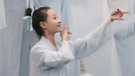 点击观看《中国舞 不愿染是与非,只愿余生无悔》