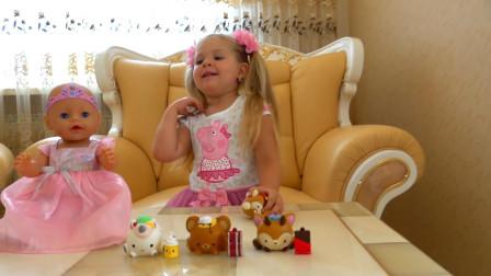 熊孩子的小玩具真多呢! 一旁的玩具宝宝可真漂亮呀! —萌娃: 我们一起玩吧!