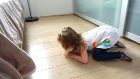 萌娃小可爱们玩起了躲猫猫, 两个小家伙真是萌萌哒! —萌娃: 小哥哥藏哪儿去了呀?