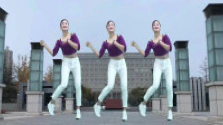 青青世界广场舞 爱情就像一首歌 冬日暖心舞蹈