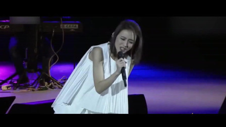 不要轻易把话筒给粉丝, 盘点那些不输原唱的歌迷, 戴佩妮看了想哭