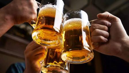 牛人发明作弊酒杯, 有了它, 谁也喝不过你!