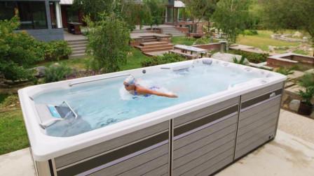 一张床大小的神奇泳池, 却怎么都游不到尽头