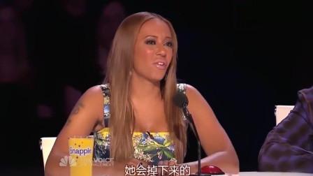 中国妹子会杂技, 在美国节目上表演, 评委都跳了起来!