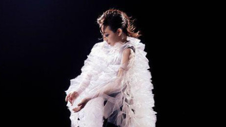 林忆莲Sandy久违6年与黄中平合作推出全新国语新曲《纤维》唱出生离死别揪心的痛!