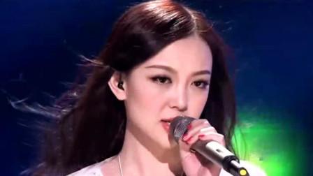 周华健最经典的一首歌, 如今被汪小敏唱火了, 这嗓音让人着迷!