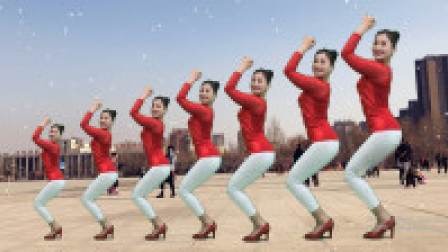 青青世界广场舞 2019抒情大气的舞蹈《雨中泪》歌曲好听舞姿欢快