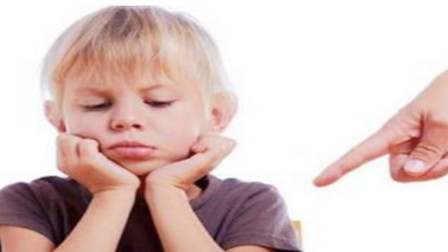 您总是命令孩子吗? 有些行为可能会伤害孩子, 千万要注意