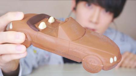 美味的敞篷跑车巧克力, 连底盘都清晰可见, 网友: 有钱人真会吃