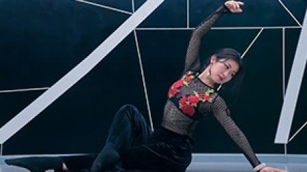点击观看《凸显东方女性之美的舞蹈》