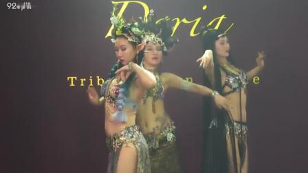 点击观看《魔鬼身材肚皮舞《东邪西毒》舞蹈视频》