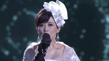 孟庭苇优雅演唱《风中有朵雨做的云》, 经典旋律勾起无数的回忆!