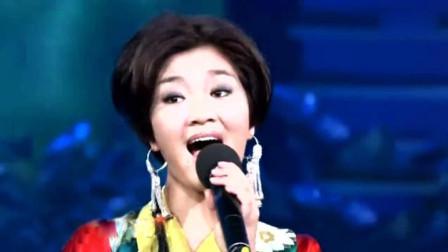 降央卓玛就是因为唱了这首歌,成为了歌迷心目中的草原一姐!