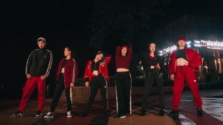 点击观看《一首爵士舞视频祝大家红红火火新年》