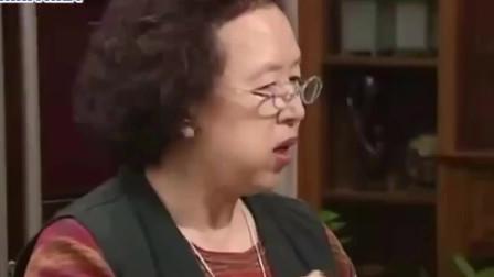 搞笑一家人:吃货母子文姬俊河吃烤肉,两人吃锅肉,吃的太香了