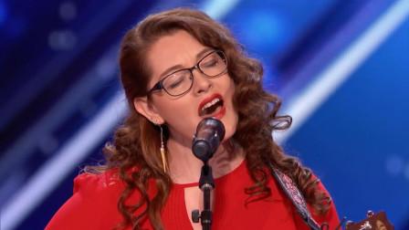 """耳聋还能学唱歌?外国美女靠""""奇招""""判断音准,优美歌声感动评委"""