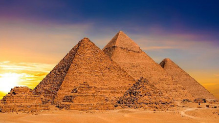 金字塔跟外星人有关?明明是石头,却能聚集电磁波!