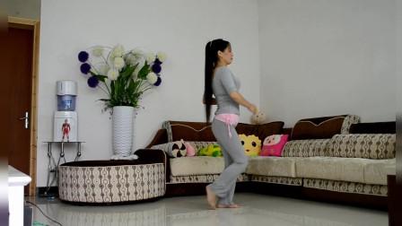 优雅莹莹广场舞 中年舞友优雅的步子舞