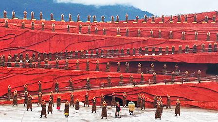 大型实景演出《印象·丽江》雄伟壮观,感受大自然的天地灵气