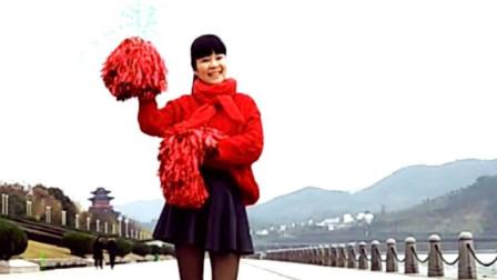 麦芽广场舞《365个祝福》新春花球舞拜年啦