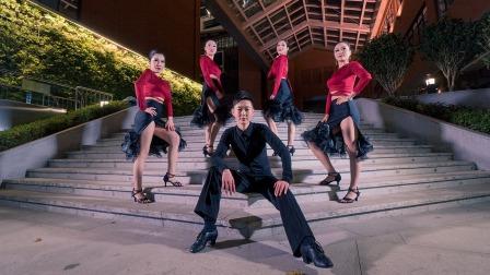点击观看《单色舞蹈 拉丁舞《告白气球》今天情人节正好可以用上了》