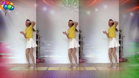 蓝莓思洁广场舞《疯狂爱一回》看一遍就会的动感步子舞