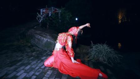 点击观看《学古典舞蹈的漂亮女朋友,腰是真的软!》