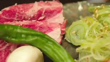 《一起用餐吧》这样的美食,虽然烫但是却阻挡不了吃它的欲望