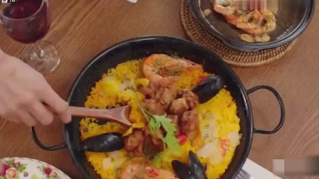 《一起用餐吧》吃饭还在讨论,大虾都冷了,两吃货被嫌弃
