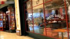 台湾人游上海大到逛不完的环球港购物中央 手机叫外卖超利便用上瘾了