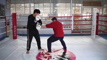 搏击中的佯攻:散打实战中指下打上,让对手防不胜防