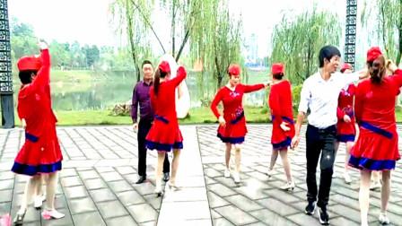 双热舞《乌来山下一朵花》双人对广场舞
