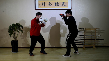如何在散打实战中实现侧移击打,搏击中这样训练让你将习惯养成