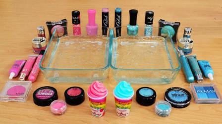 多种精美化妆品,混合在两盘透明水晶泥掺在一起,过程真治愈