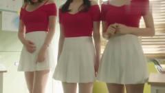 办事生制服被学长安排成低胸超短裙惹女生满意,姜美莱浑身不稳重