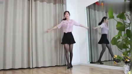 性感美女穿画面跳丝袜舞,太好看了,女人太美偷看内性感广场视频衣被男穿图片