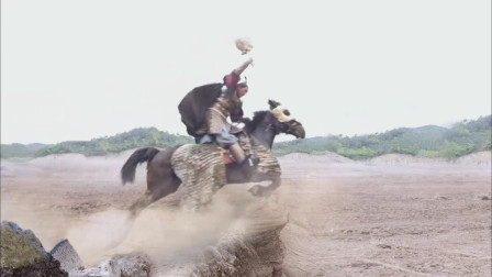 《隋唐演义》李元霸跟宇文成都最后一战,竟一个被生撕一个被雷击中