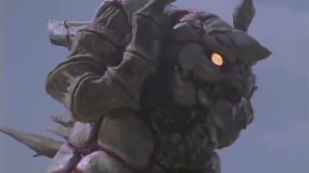迪迦奥特曼:崛井让迪迦不要动,那只怪兽只攻击会动的东西!