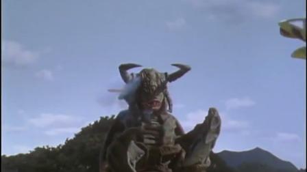 迪迦奥特曼:团队用大炮攻击怪兽,怪兽却没有一点受伤!