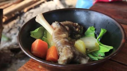 农村女孩下厨做美食,羊头羊蹄炖生木瓜,太滋补了