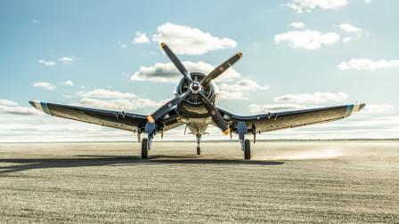 采用倒海鸥翼,配备当年最强引擎,美军研发出速度最快的舰载机